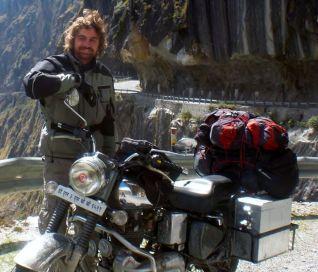 Raúl Sanz. India en moto